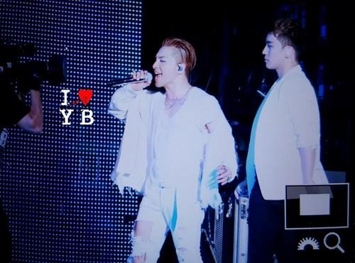 BIGBANG Osaka 10th Anniversary concert 2016-07-30 Day 2 (61)