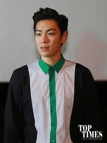 TOP-HQs-StageGreeting-Day3-20140908(3)