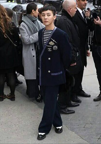 G-Dragon Chanel Haute Coutoure at Grand Palais Paris 2016-01-26 27