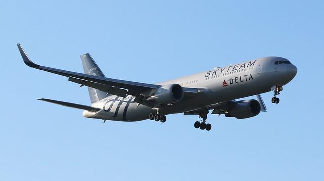 Delta Airlines Boeing 767-300WL