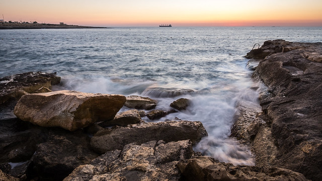 Sunrise in San Tumas - Marsaskala, Malta - Seascape photography