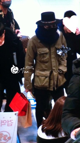 Big Bang - Gimpo Airport - 27feb2015 - G-Dragon - GD Fan - 02