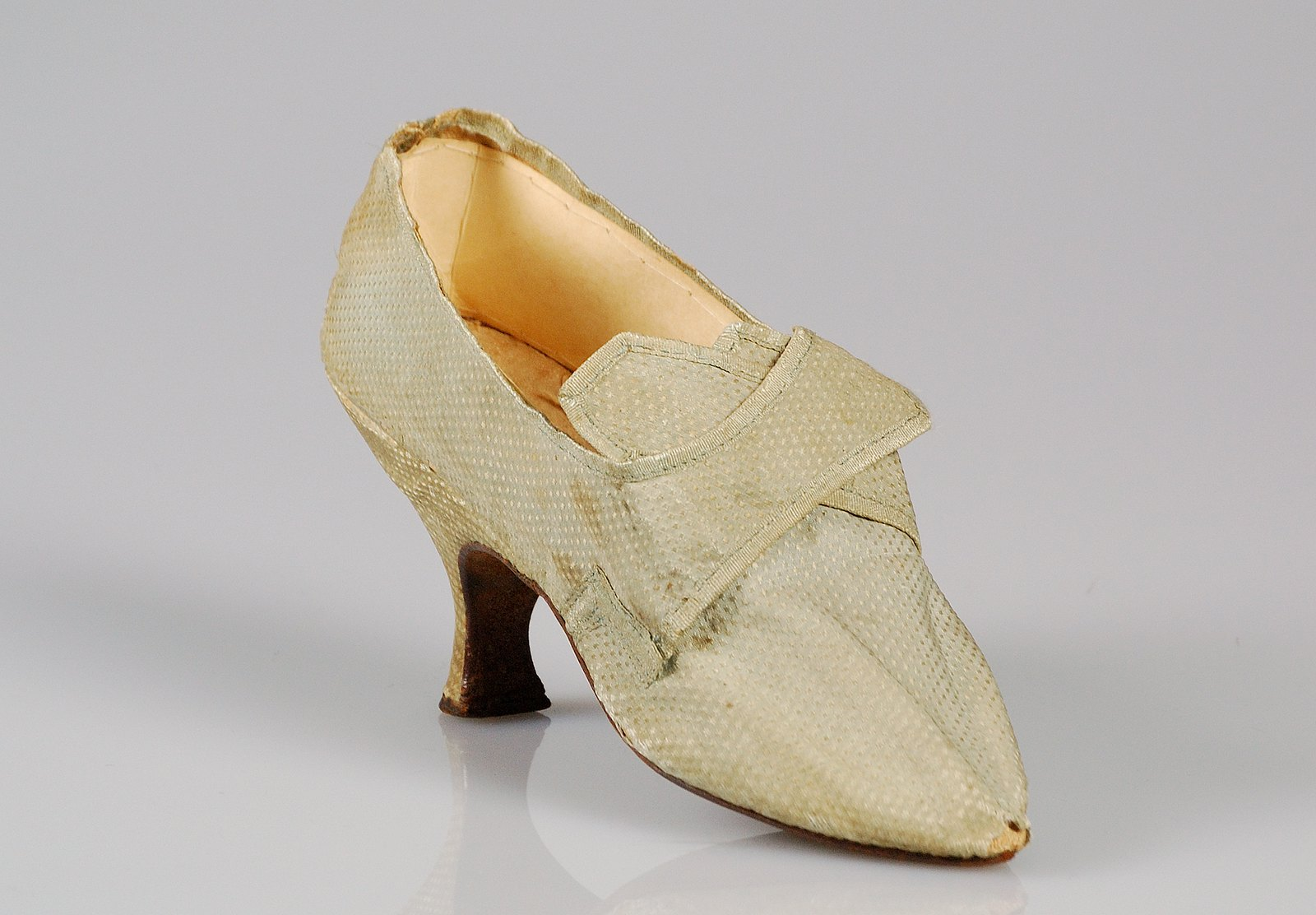 1795. American. Silk