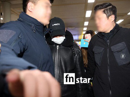 BIGBANG (wout Seungri) arrival Seoul Gimpo from Beijing 2016-01-02 (29)