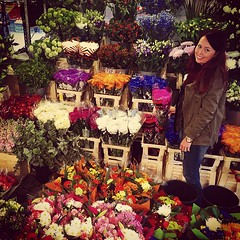 #stockholm #hötorget #flowerpower you can always find a nice place. #kamiandpaula