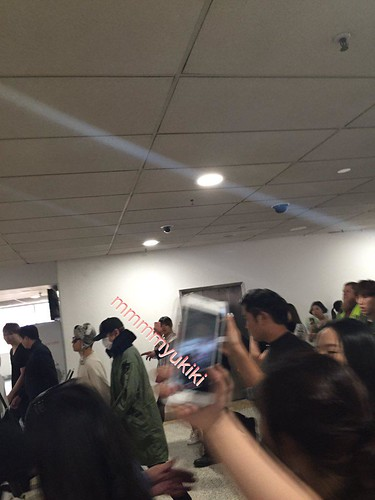 BIGBANG arrival Melbourne 2015-10-20 (24)