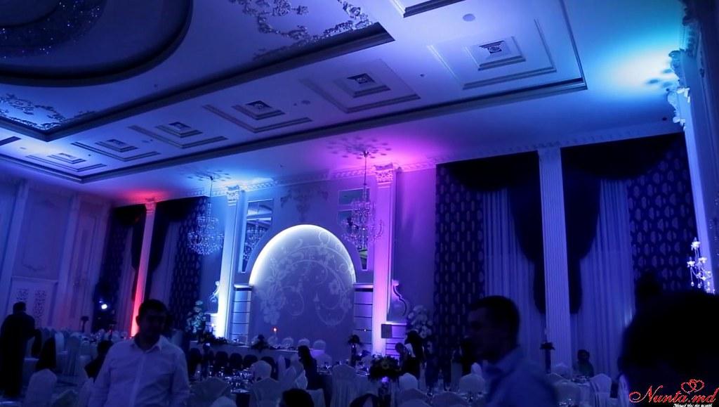 Unique Events: decorațiuni pentru nuntă > Decorul cu lumini ambientale - Uplighting
