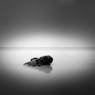 Imagine de Praia Bascuas. sea bw white black art blanco beach nature rock square landscape mar fineart negro fine playa bn minimal squareformat minimalismo roca