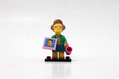 LEGO The Simpsons Minifigures Series 2 (71009) - Edna Krabappel