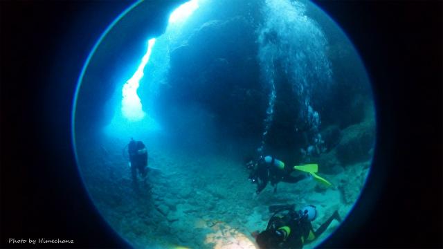 黒島の洞窟♪