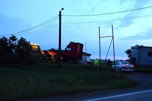 road truck 1 crash accident police route wreck transylvania tow transilvania tavasz baleset kirándulás roumanie unfall lkw 2015 út erdély május rumänien ardeal siebenbürgen bihor rendőrség 1es dn1 kamion politia románia roncs országút főút dn01 teherautó ütközött autómentő oşorhei fugyivásárhely összeütközött