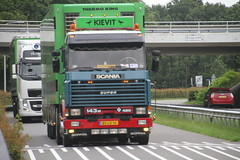 aanvoer deelnemers van Truckstar 2016 TT Circuit in Assen