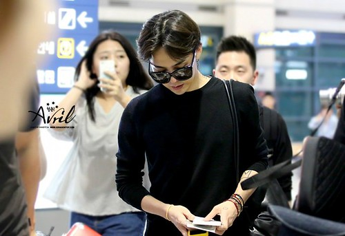 gdragon_return_from_chengdu_incheon-20140615 (19)
