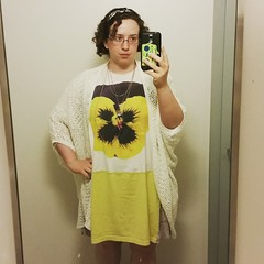 I feel so cute today. Love my new sweater from Mango. I think it fits perfectly in with my wardrobe. It's so hot today - perfect excuse to wear my breezy flower dress. I LOVE my hair like this. #ootd details : handmade #flyingtrapezedress, necklace/buffal