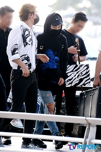 Big Bang - Incheon Airport - 07aug2015 - TV Report - 02