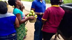 Ijesha woman roadside hawking oranges in Osun, Nigeria. #JujuFilms