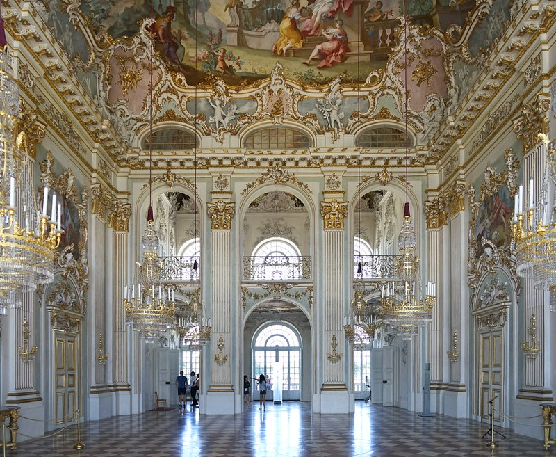 Le grand salon du château de Nymphembourg (Munich)