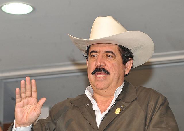 Zelaya se abrigou na embaixada brasileira após ser deposto por militares - Créditos: José Cruz/ABr
