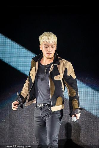 BIGBANG FM Shenzhen HQs 2016-03-13 (11)