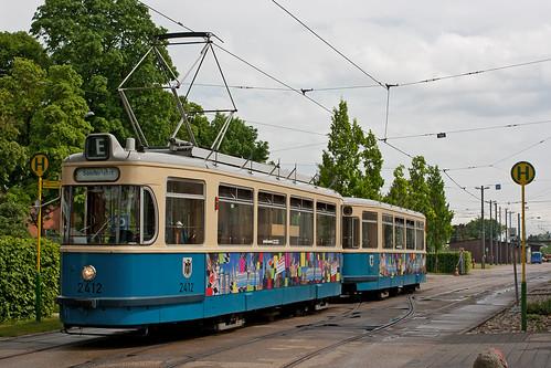 Der Zug 2412+3407 vor dem MVG-Museum