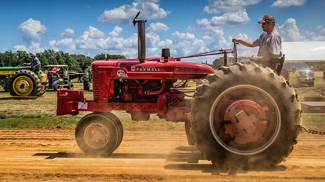 Farmall Tractor Pull 2015