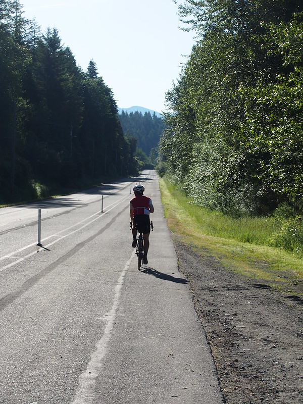 Issaquah–Preston Trail Cycle Track: This cyclist was riding a Soma Double Cross, so we chatted for a while about that.  I ended up beating him to North Bend because I took I-90 while he diverted to Fall City.  Hours later, I saw him again, heading back from the summit while I was heading up.