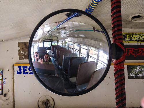 Laguna de Apoyo: oui, nous sommes bel et bien dans un chicken bus