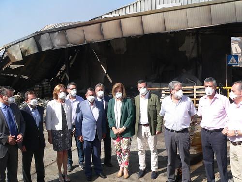 Visita oficial a la fábrica de Ybarra tras el incendio