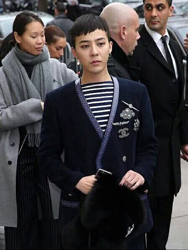 G-Dragon Chanel Haute Coutoure at Grand Palais Paris 2016-01-26 28