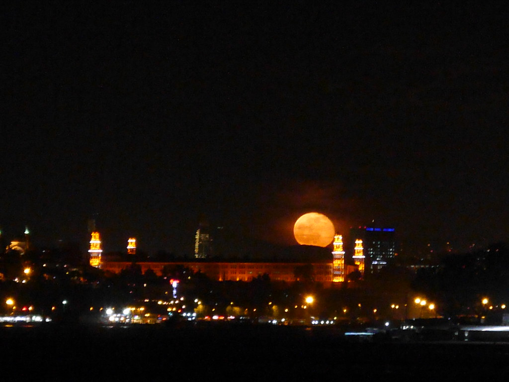 Full Moon behind Selimiye Kislasi ( Selimiye Barracks)