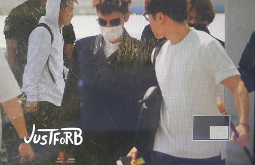 Big Bang - Incheon Airport - 29may2015 - TOP - Just_for_BB - 01