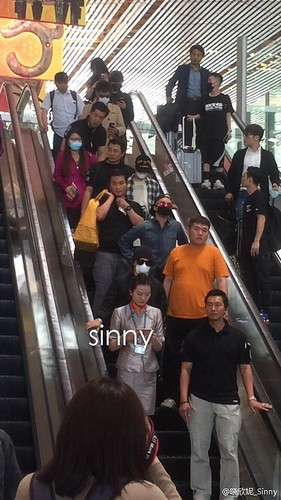 Big Bang - Beijing Airport - 05jun2015 - sinny421 - 01