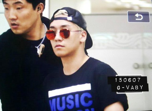 Big Bang - Gimpo Airport - 07jun2015 - Seung Ri - G_Vaby - 01