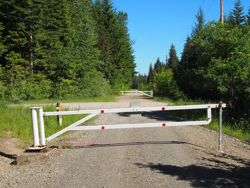 P6070642: I hate gates.