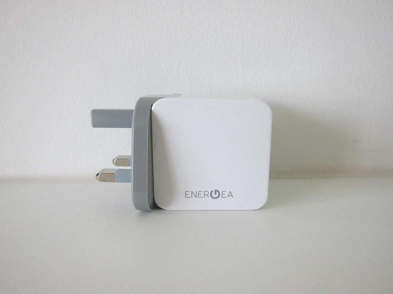Energea Amp Charger 17W 5V/3.4A 2-Port Wall Charger - Side