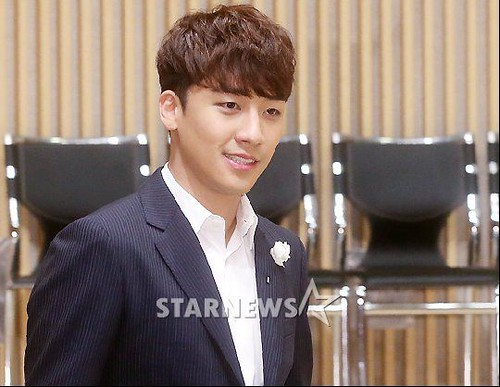 seungri_angel_eyes_press_conference_140403