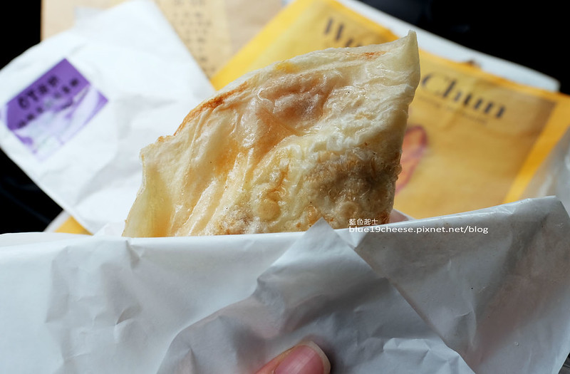 27788560574 afbfba7935 c - OT蛋餅-早餐袋簡單可愛附小方巾.店家態度親切活潑.一中商圈美食.臺中科技大學對面早餐街.3C配件一中店的騎樓