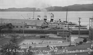 Canadian National Railway dock and tennis court, Prince Rupert, British Columbia / Quai des Chemins de fer nationaux du Canada et court de tennis, Prince Rupert (Colombie-Britannique)