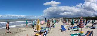 Plaża publiczna w Golem / Golem public beach