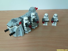 LEGO 75078 LEGO STAR WARS 2015 Imperial Troop Transport Battle pack