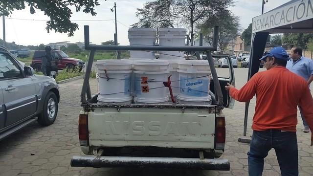 Aguas del Chuno EP recibe donación de químicos de la SENAGUA
