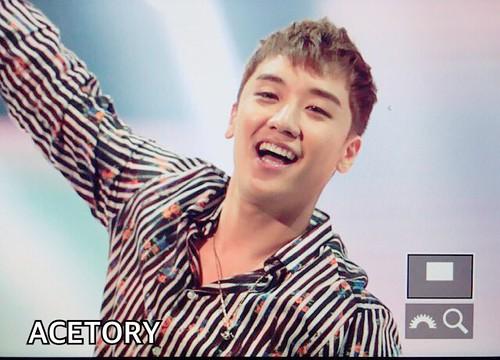 BIGBANG FM Beijing Day 2 2016-07-16 Seungri (35)