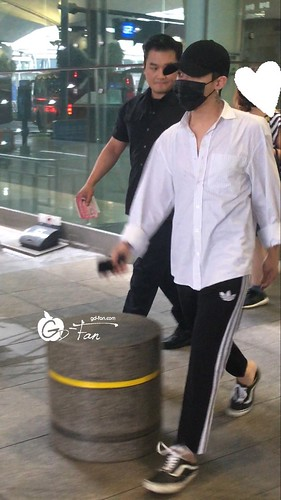 Big Bang - Incheon Airport - 24jun2016 - GD Fan - 03