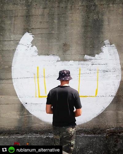 #Repost @rublanum_alternative  ・・・ Start now in Rogliano  #onthewall #guliaurbana #rublanumalternative #rogliano #calabria #southitaly #streetart #massimosirelli #cosenza #streetartfestival #popart #contemporaryart #robot #adottaunrobot