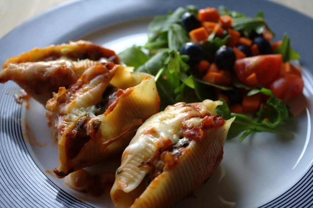 Fyldte pastaskaller med oksekød