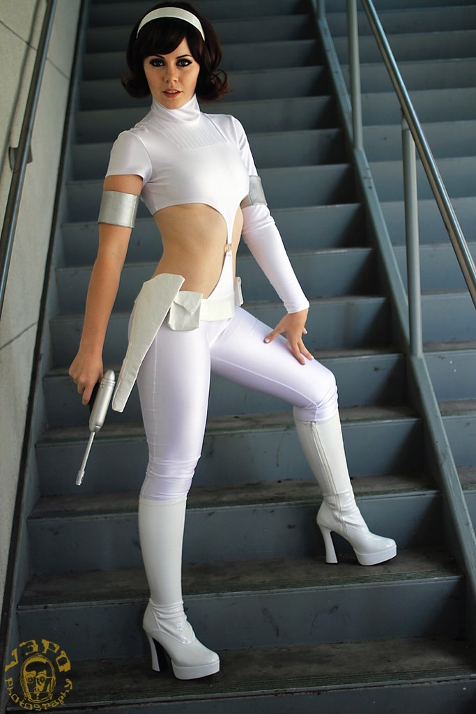 space suit cosplay girl - photo #23