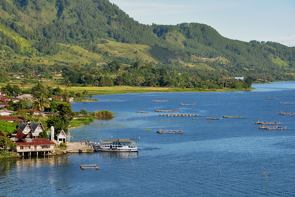 Lake Toba North Sumatra Indonesia Around Guides