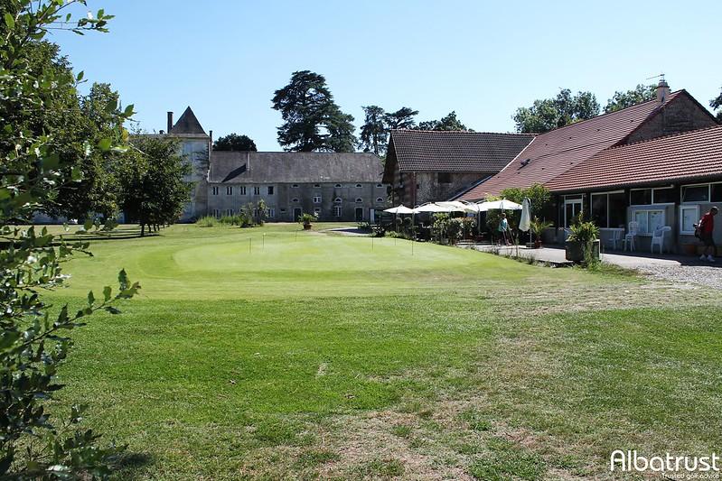photo du golf Golf De Tarbes Les Tumulus - Parking