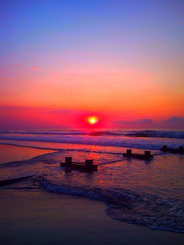 ocean sunrise summertime avalon 30thstreet 7mile avalonnj 7mileisland outfallpipe sunriseoverocean summersunrise coolerbyamile 30thstreetbeach summertimesunrise 7milestyle
