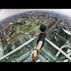 Selfie di ketinggian, tapi tetap aman. #safetyfirst :grin::grin::grin: